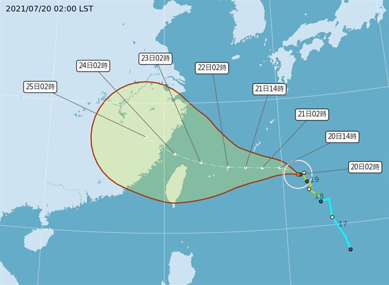 颱風「烟花」20日凌晨2時颱風中心位於台北東方1010公里的海面上,持續往西北西方轉西方向前進。(圖取自中央氣象局網頁cwb.gov.tw)