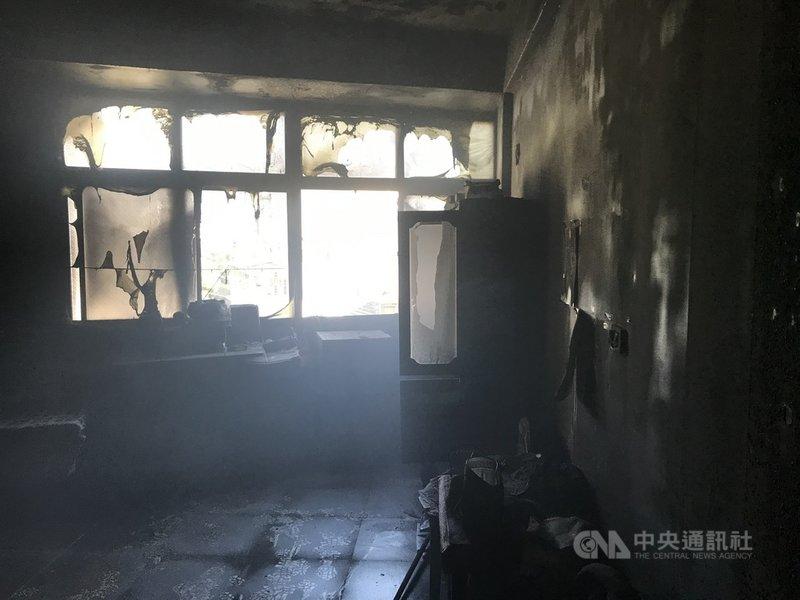台中市東勢區三民街一處民宅21日上午發生火警,現場一片焦黑。(民眾提供)中央社記者趙麗妍傳真  110年7月21日