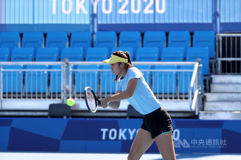 東京奧運即將開幕,台灣網球雙打姊妹花詹詠然與詹皓晴(圖)2度搭檔參加奧運雙打,儘管還在適應時差和場地,但詹皓晴21日表示,有了里約奧運洗禮,面對東京奧運又更期待。中央社記者吳家昇攝  110年7月21日