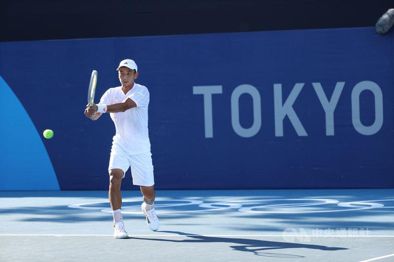 台灣男子網球好手盧彥勳5度出征奧運,他選擇東京奧運作為20年網球生涯最後一役,盧彥勳直言是為了回饋國家、台灣這塊土地多年的支持。中央社記者吳家昇攝 110年7月21日