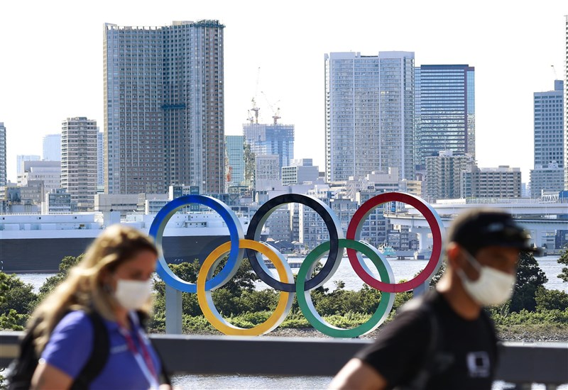 東奧開幕日進入最後倒數階段,來自海外的各國代表團選手相繼確診。(共同社)