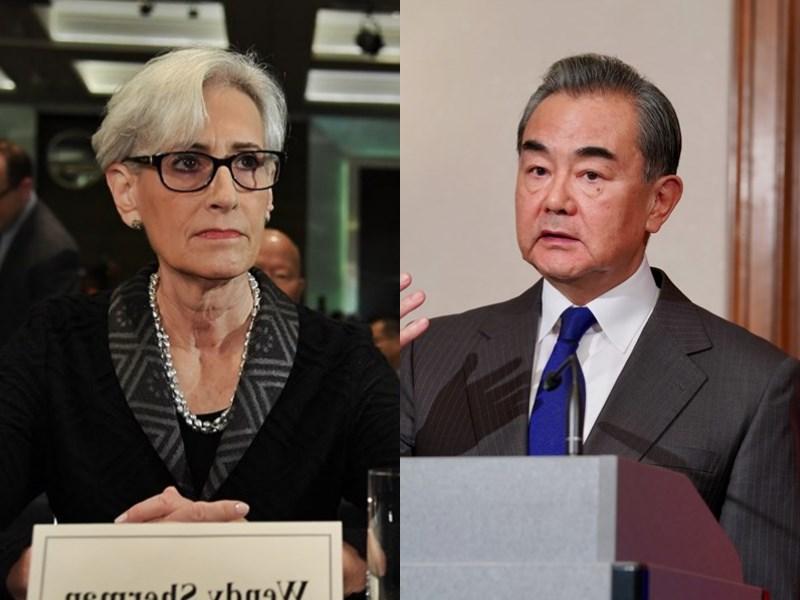 美國副國務卿雪蔓(左)將於25日至26日訪問中國,與中國外交部長王毅(右)等官員會面。(左圖為中央社檔案照片、右圖取自中新社)