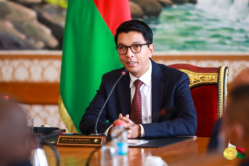 馬達加斯加檢察總長辦公室22日表示,已逮捕數名欲行刺總統拉喬利納(圖)的犯嫌,當中包含外籍與本國籍公民。(圖取自facebook.com/SE.AndryRajoelina)