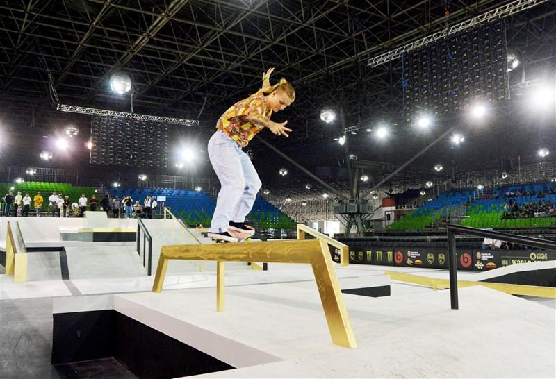 21日有4名東京奧運參賽者因為確診COVID-19無法出賽奧運,包括荷蘭滑板選手賈可布斯。(圖取自賈可布斯官方網頁candyjacobs.com)
