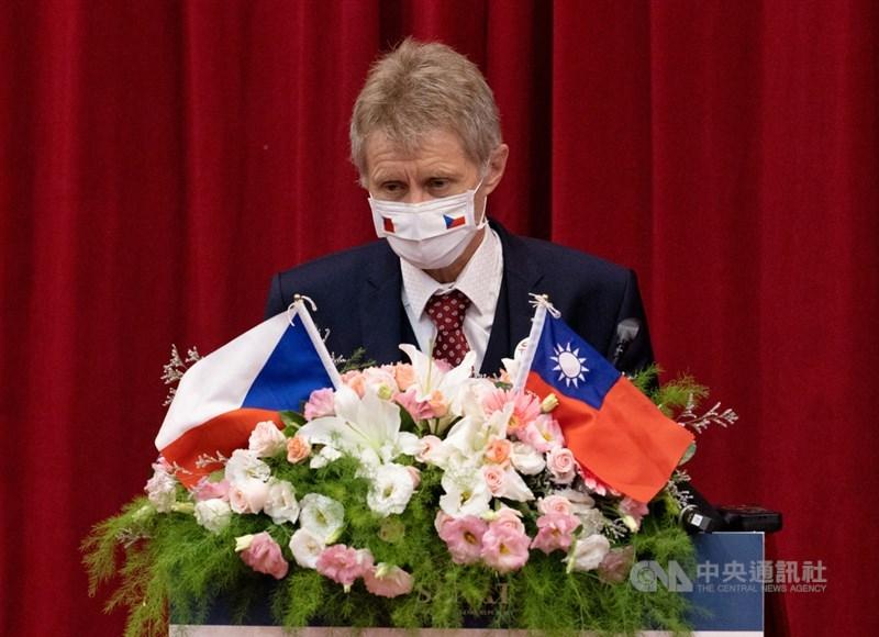 去年曾訪台的捷克參議院議長維特齊表示,政府將討論是否捐贈疫苗給台灣,最快26日開會後有結果。(中央社檔案照片)