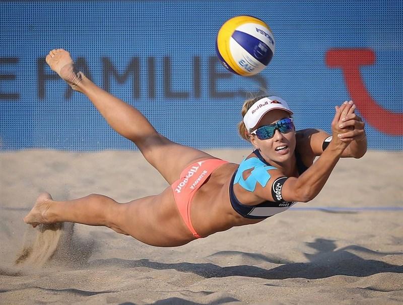 捷克沙灘排球選手斯魯科娃(圖)成為奧運選手村中第3位檢測陽性的捷克選手後,總理巴比斯痛罵這種情況「丟臉」。(圖取自instagram.com/beach_maki)