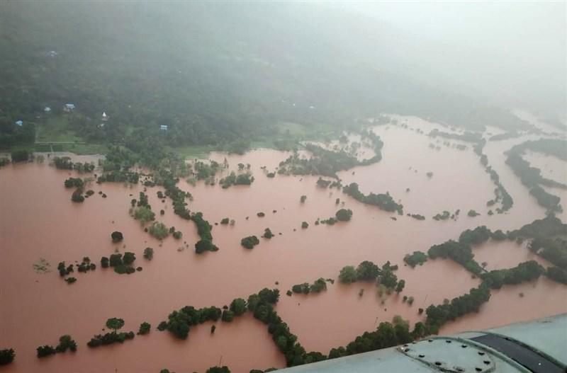 印度豪雨引發洪災和山崩造成慘重傷亡,迄今已累計124死,另有數十人失蹤,馬哈拉什特拉省(圖)已有114人喪生,救難人員正全力搜救。(安納杜魯新聞社)