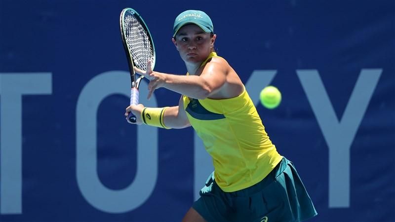 世界網球球后、澳洲名將巴蒂(圖)25日在東京奧運女子單打首輪直落二敗給排名第48的西班牙選手,意外出局。(圖取自twitter.com/AUSOlympicTeam)