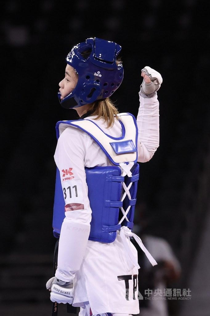 台灣跆拳道女將羅嘉翎出征東京奧運,25日在東京奧運跆拳道女子57公斤量級連過2關,8強賽以18比7拿下勝利,挺進4強賽。中央社記者吳家昇攝 110年7月25日