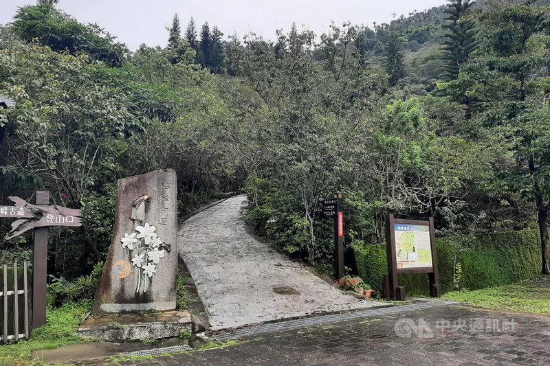 台南梅嶺風景區有多條適合健行的步道,防疫警戒調降為2級後,可望吸引喜愛登山健行的民眾前往。(讀者提供)中央社記者楊思瑞台南傳真  110年7月26日