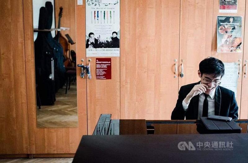 鋼琴新秀張凱閔拿到波蘭蕭邦國際鋼琴大賽入賽資格,10月將前進波蘭,與來自全球音樂好手角逐大賽桂冠。(張凱閔提供)中央社記者趙靜瑜傳真 110年7月26日
