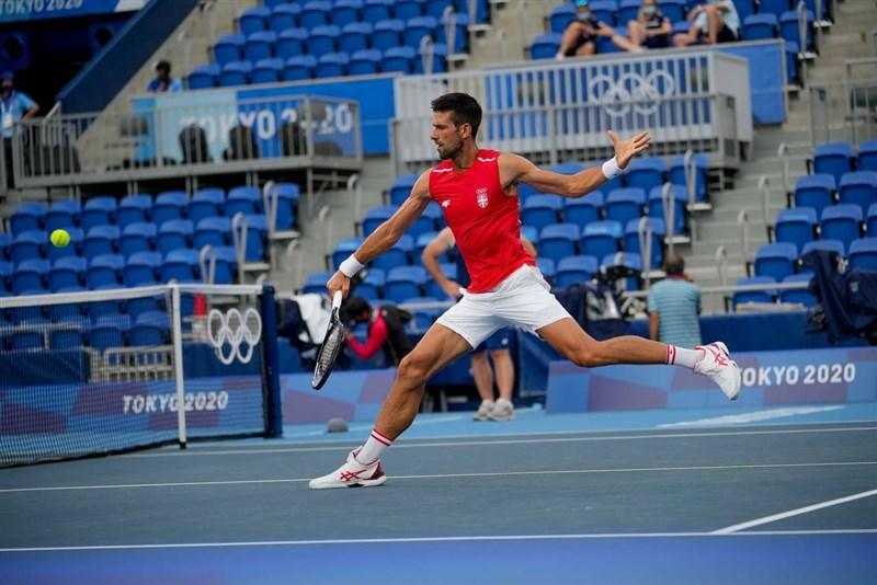 塞爾維亞籍世界球王喬科維奇(圖)26日擊敗德國對手史特魯夫,順利晉級東京奧運男網單打項目第3輪比賽。(圖取自facebook.com/djokovicofficial)