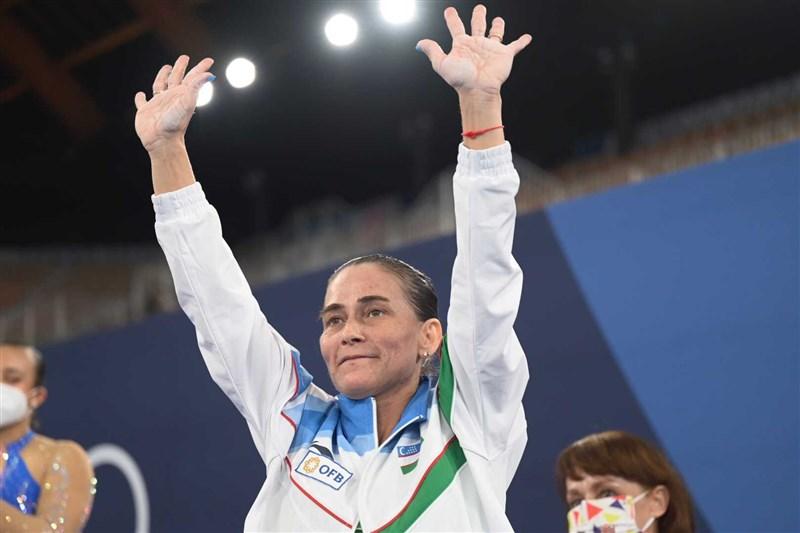 第8度參賽奧運的烏茲別克女子體操選手丘索維金娜(圖 )25日在東京奧運跳馬項目未能進入決賽,抱憾提前結束生涯奧運之旅。(圖取自twitter.com/gymnastics)