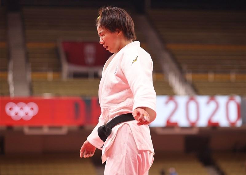 台灣「柔道女王」連珍羚26日在東京奧運柔道57公斤級16強吞敗止步,賽後情緒無法平復,除了對外界的期望說抱歉,也坦言現在還沒有心思想下一階段。(體育署提供)