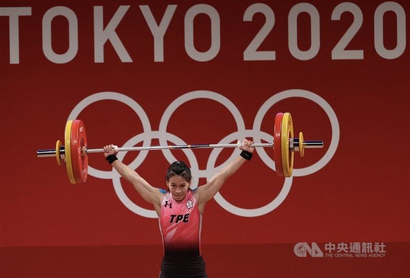 「舉重女神」郭婞淳27日為台灣奪下東奧首面金牌。中央社記者吳家昇攝 110年7月27日