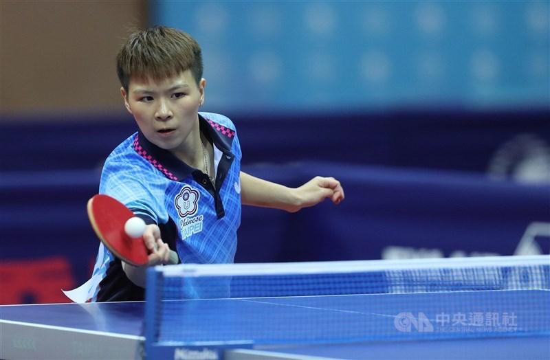 台灣桌球女將陳思羽(圖)27日16強賽以0比4不敵世界排名第2的中國選手孫穎莎,連2屆奧運16強止步。圖為2017年世大運桌球女子團體準決賽。(中央社檔案照片)