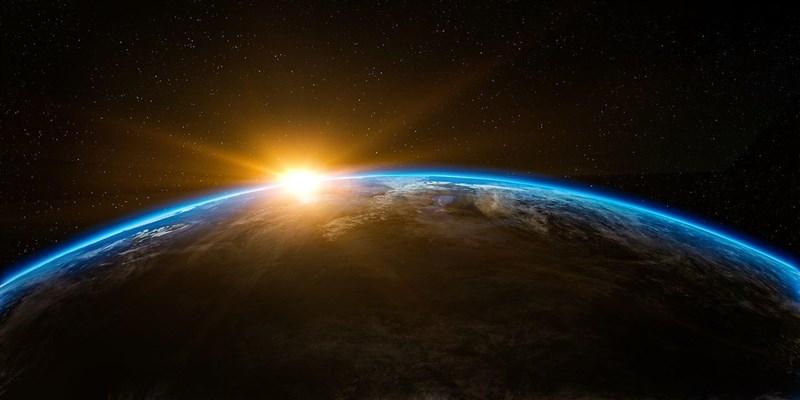 由哈佛大學知名天文學家羅布領導的國際科學家團隊,將尋找外星文明建造科技的證據。(示意圖/圖取自Pixabay圖庫)