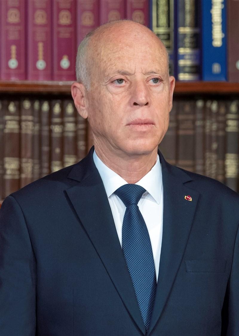 突尼西亞總統薩伊德(圖)繼25日革除總理並凍結國會後,26日又開除國防部長巴塔吉。(圖取自自維基共享資源,作者Houcemmzoughi,CC BY-SA 4.0)