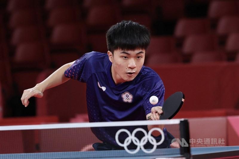 19歲的台灣桌球好手林昀儒首次參加奧運就締造佳績。他28日在東奧男子單打8強賽中連贏4局,擊敗來自斯洛維尼亞的對手,成為繼莊智淵之後第1位打進奧運桌球男單4強賽的台灣選手。中央社記者吳家昇攝 110年7月28日
