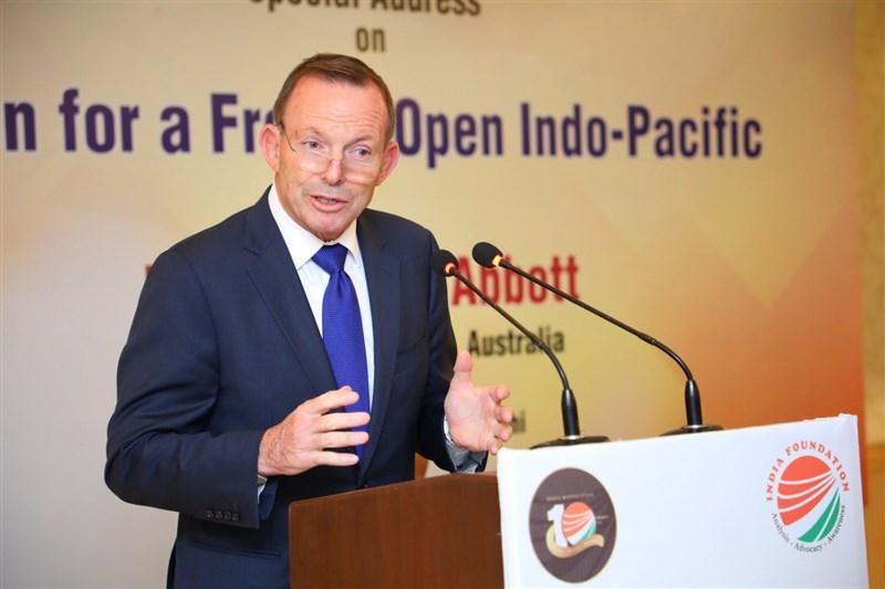 前澳洲總理艾波特指出,澳洲當初因為誤信中國而簽下自貿協定,澳洲經驗足以成為喚醒世界的「重大警示」。(圖取自twitter.com/HonTonyAbbott)