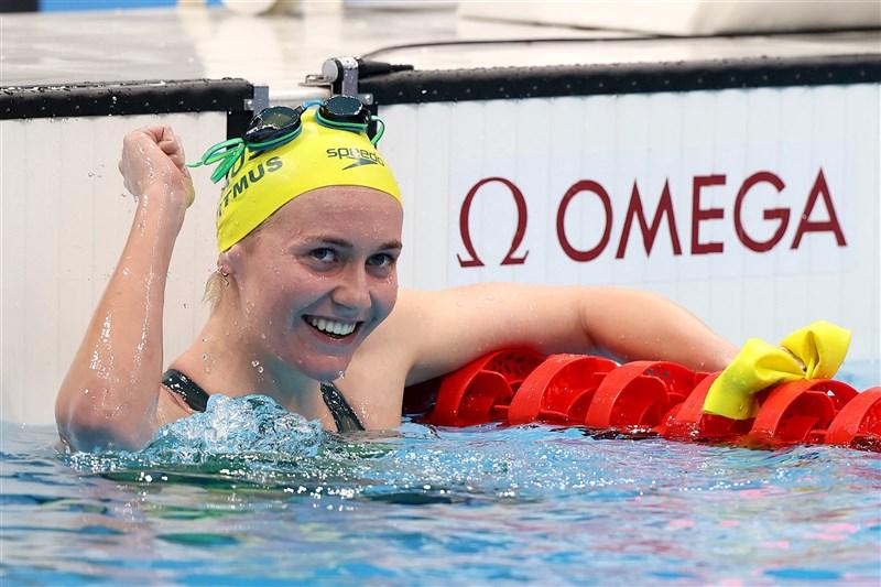 澳洲選手提特穆斯在東奧女子200公尺、400公尺自由式皆奪冠,這位小鎮姑娘初試啼聲已2金落袋。(圖取自twitter.com/AUSOlympicTeam)