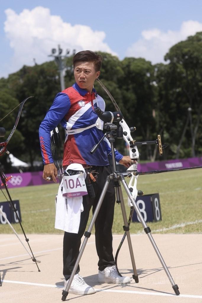台灣射箭女將雷千瑩(圖)28日在東京奧運女子射箭個人64強賽出戰烏克蘭選手馬欽柯,從領先到被扳平,最後敗陣無緣32強。(中央社檔案照片)