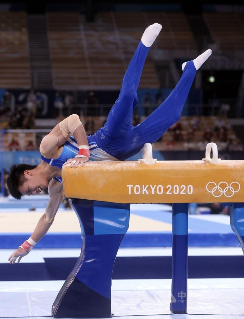 台灣體操好手李智凱28日在東京奧運體操全能決賽亮相,在拿手鞍馬項目二度落馬,僅拿12.666分,全能排名21。中央社記者吳家昇攝 110年7月28日