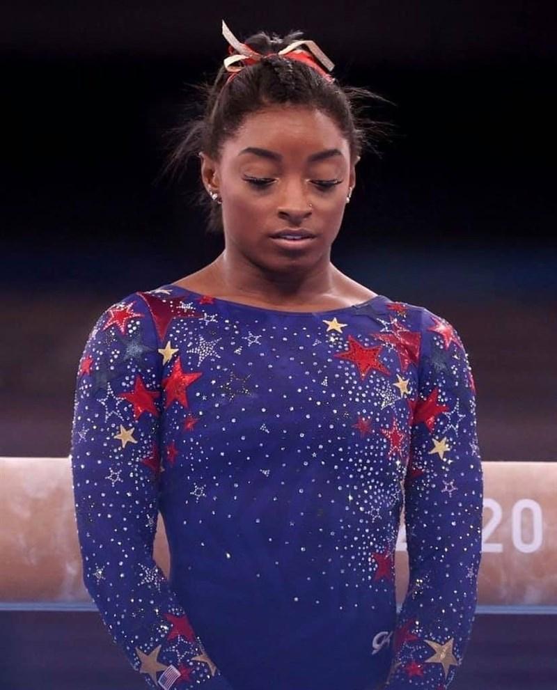 美國體操天后拜爾絲表示,因為擔憂「心理健康」才退出東京奧運女子體操團體賽決賽。(圖取自facebook.com/simonebiles)