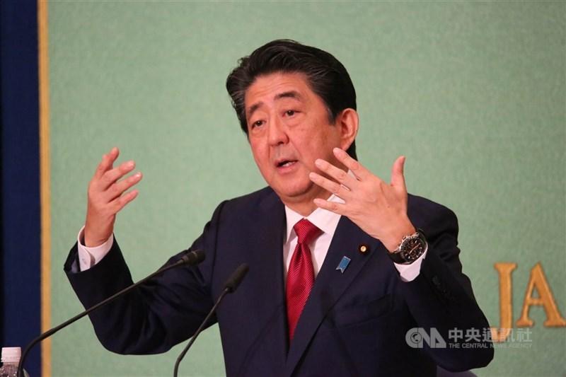 日本前首相安倍晉三(圖)接受日本產經新聞專訪時表示,若條件允許盼來台弔唁前總統李登輝。(中央社檔案照片)