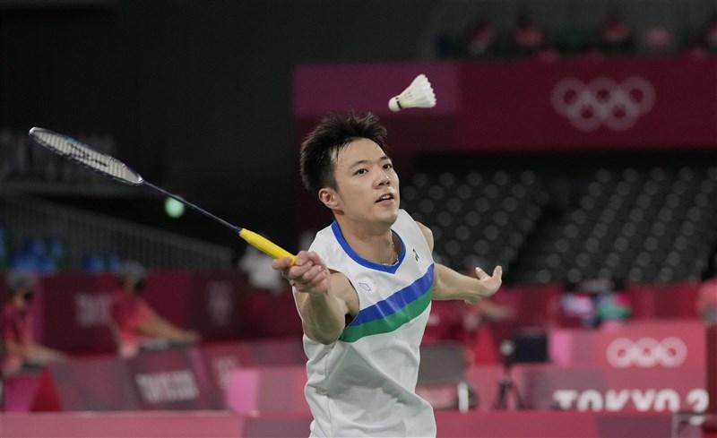 王子維(圖)29日在東京奧運男子單打淘汰賽首輪不敵丹麥前世界球王、世界排名第2的安賽龍,止步16強。(美聯社)