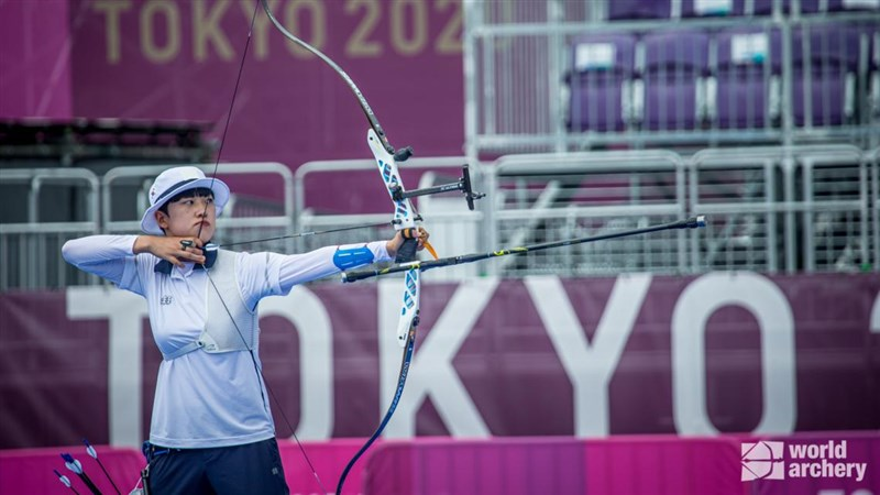 韓國女子射箭選手安山30日拿下個人在東京奧運的第3面金牌,追平韓國史上個人單屆奧運奪金紀錄。(圖取自twitter.com/worldarchery)