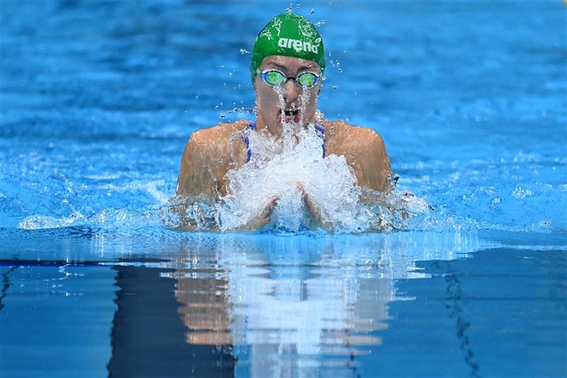 南非游泳好手舒恩馬克30日在東京奧運女子200公尺蛙式摘金,以2分18秒95的佳績創下世界紀錄。(法新社)