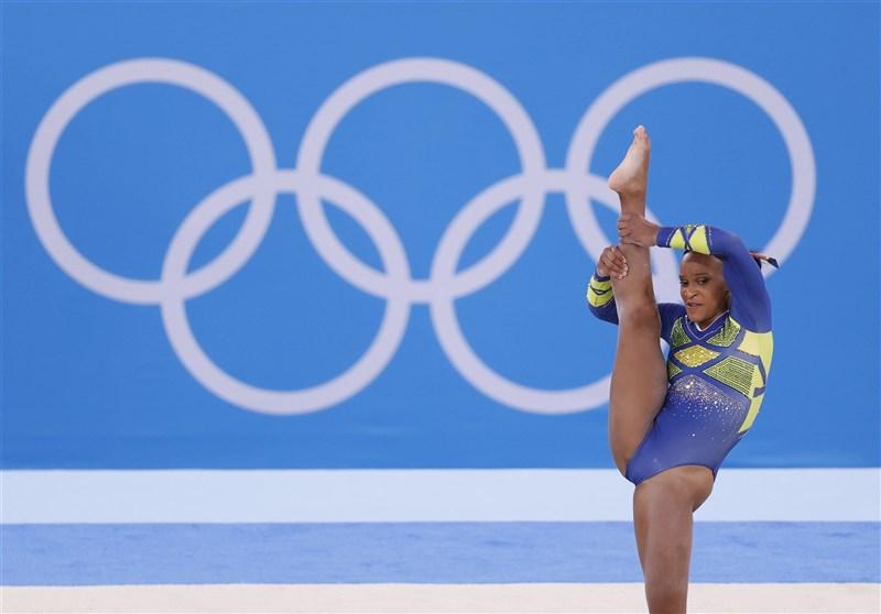巴西22歲女子體操選手安德拉德29日在東奧體操個人全能項目奪得銀牌。(共同社)