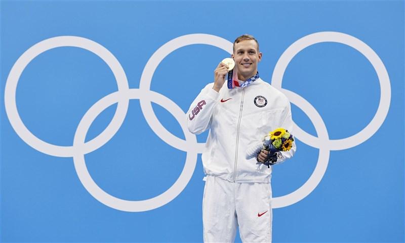 美國泳將德萊賽爾1日在東京奧運摘下個人第5面金牌。(共同社)