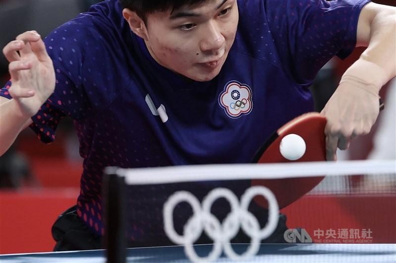 台灣男子桌球代表隊3日在2020東京奧運桌球男子團體賽次輪強碰德國,台灣桌球一哥林昀儒(圖)可望再戰對手奧恰洛夫上演「王子復仇」。(中央社檔案照片)