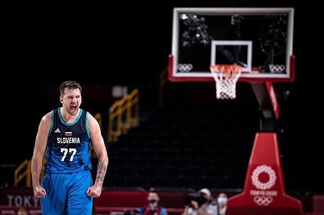 效力於NBA達拉斯獨行俠的斯洛維尼亞球星唐西奇(圖)1日率隊延續在東奧不敗紀錄,在男籃C組預賽以95比87擊敗西班牙,兩隊雙雙晉級八強。(圖取自instagram.com/lukadoncic)