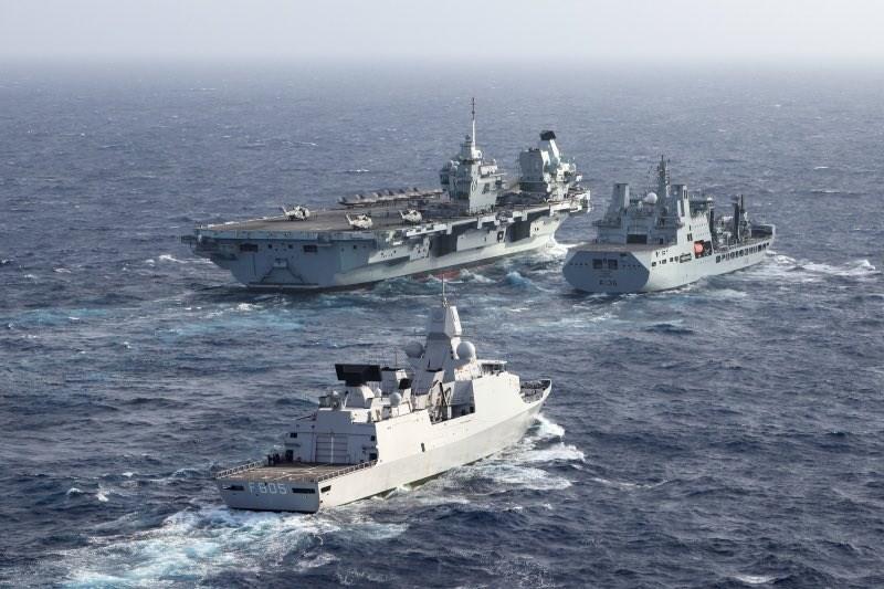 英國航艦打擊群指揮官慕豪思1日推文表示,伊麗莎白女王號航艦打擊群已通過呂宋海峽、進入菲律賓海。(圖取自twitter.com/smrmoorhouse)