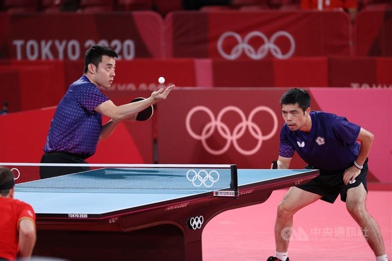 台灣男子桌球代表隊3日出戰東京奧運男子團體賽8強賽,最終以2比3不敵德國隊,無緣晉級。中央社記者吳家昇攝 110年8月3日