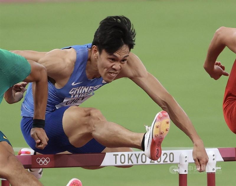 台灣男子110公尺跨欄全國紀錄保持人、「台灣欄神」陳奎儒3日在東京奧運男子110公尺跨欄預賽出賽,飆出本季最佳的13秒53、分組排名第5,透過擇優晉級準決賽。中央社記者吳家昇攝 110年8月3日