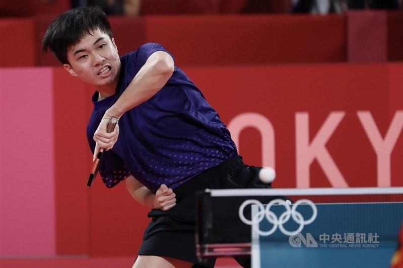 台灣桌球選手林昀儒首度征戰奧運在混雙摘銅,他4日在社群平台Instagram發文表示,奧運之旅在此先劃下逗點,期待未來能創造更多的驚嘆號。(中央社檔案照片)