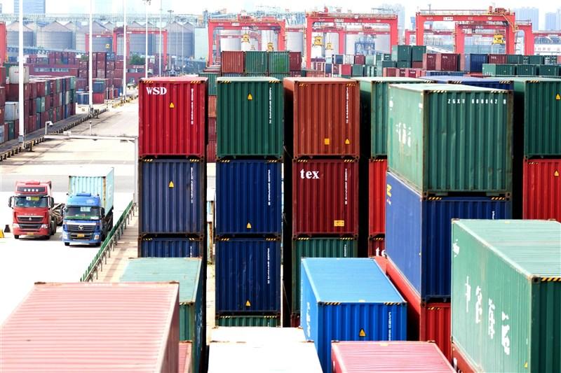 印度「經濟時報」報導,中國方面宣布在外包裝上檢測到病毒核酸陽性,拒絕接收1000個貨櫃的印度蝦。(示意圖/中新社)