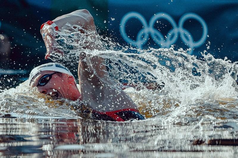 德國選手韋爾布羅克5日在東京灣的驕陽下,奪得東京奧運10公里馬拉松游泳金牌。(圖取自twitter.com/TeamD)
