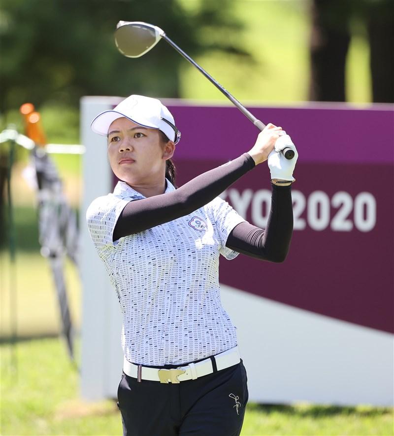 東京奧運女子高爾夫歷經前2回合暖身,戰事也進入白熱化,台灣雙姝徐薇淩(圖)與李旻6日將全力縮小與領先榜的差距。(體育署提供)