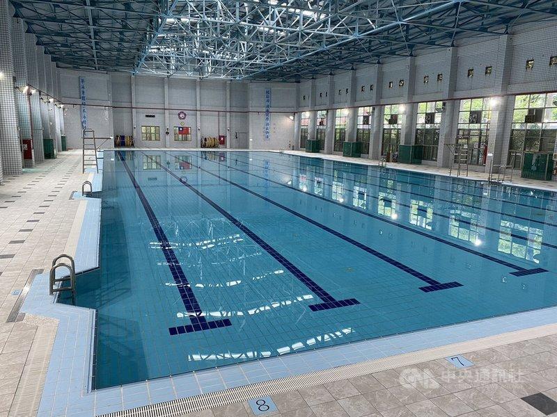 COVID-19疫情趨緩,台南市長黃偉哲6日宣布開放全市7 座學校及市立游泳池作為選手訓練基地,但不對外開放。(台南市政府提供)中央社記者張榮祥台南傳真  110年8月6日