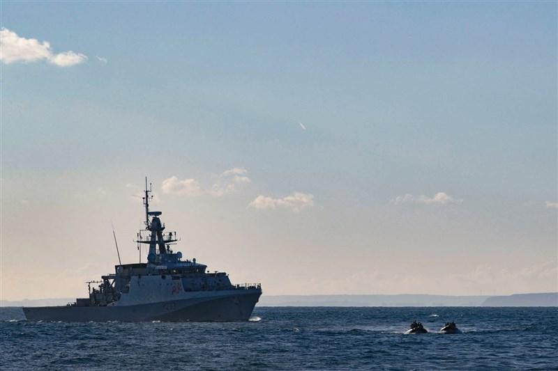 根據英國皇家海軍的公開資訊,巡邏艦「添馬艦」(圖)及「史佩號」8月底將前往印太地區展開常態性部署。(圖取自英國皇家海軍網頁royalnavy.mod.uk)