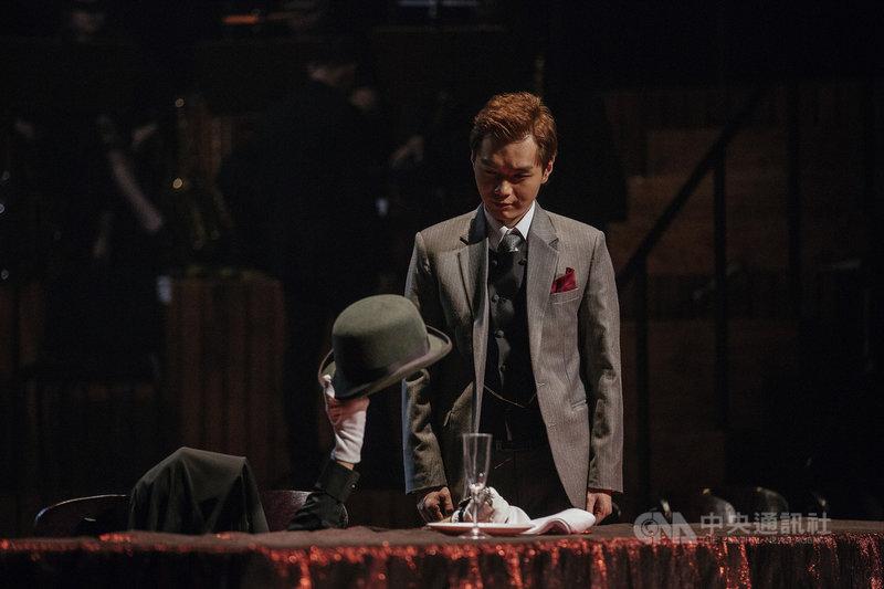 導演王嘉明今年改版推出舞台劇「混音理查三世」,強化「身聲分離」的戲劇張力,讓觀眾更能感受角色內心意念。(國家兩廳院提供)中央社記者趙靜瑜傳真  110年9月13日