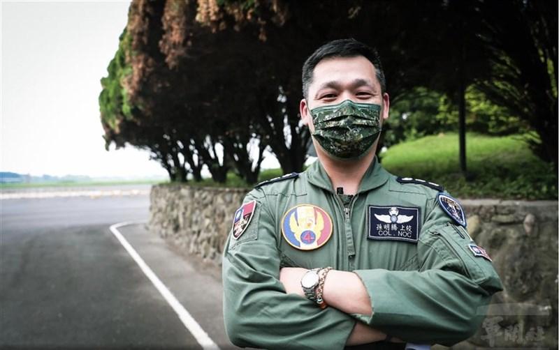 漢光37號佳冬戰備道操演15日順利完成,F-16V飛行員孫明騰上校表示,在複雜環境下進行落地,必須更謹慎小心。(軍聞社提供)中央社記者游凱翔傳真 110年9月15日