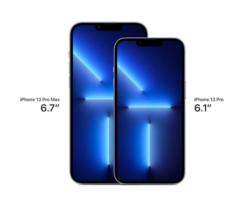 iPhone 13系列新機縮減螢幕上方「瀏海」感應區域,支援電影級模式錄影。圖為iPhone 13 Pro及 iPhone 13 Pro Max。(圖取自蘋果官方網頁apple.com)