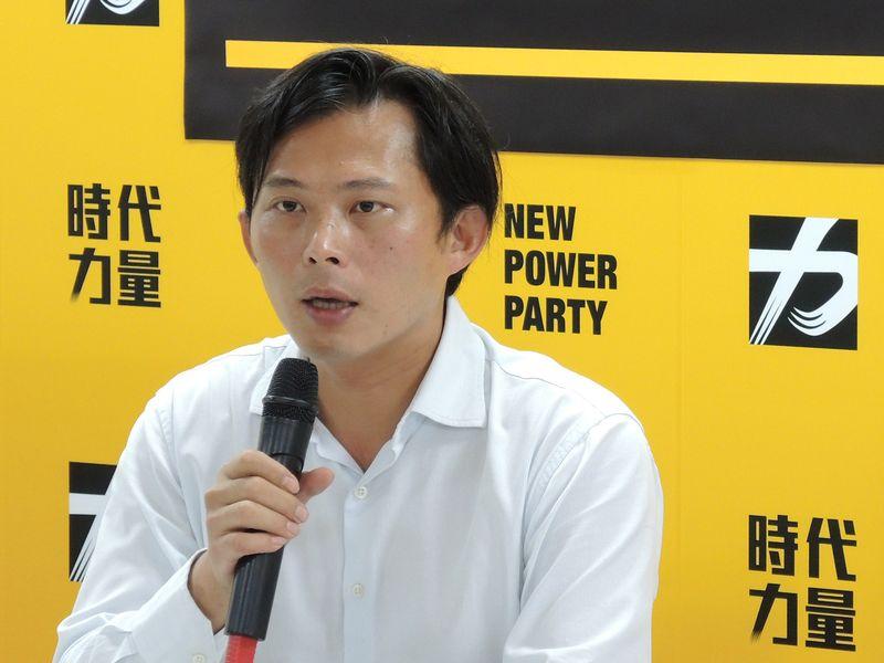 黃國昌不續任時力黨主席