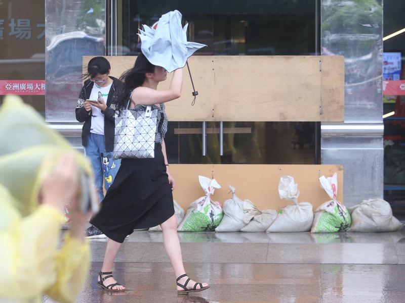 颱風丹娜絲威脅解除